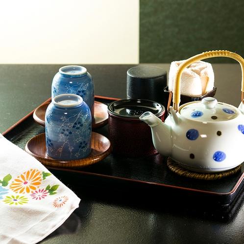 お部屋には日本茶をご用意