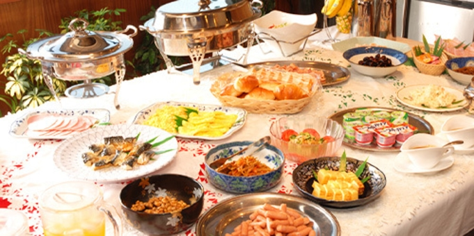 【レイトチェックアウト】朝はゆっくり♪ こだわりの無料バイキング朝食付きプラン