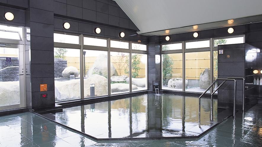 *[大浴場一例]地下1,300mから湧き出る深層湯温泉(利用時間:10~21時)