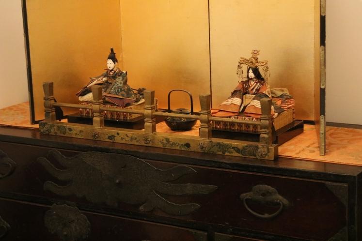 2階表の間 寝室に飾る雛人形