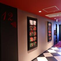 12階エレベーターホール「薔薇」