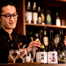 飲み足りない夜は、ぜひ「蔵Vitto」へ。美味しい会話とお酒をお楽しみください