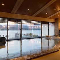 【展望畳大浴場 湯Like】宮島一美しい夕陽が望める、畳を敷いた湯ニークな展望大浴場を設えました。
