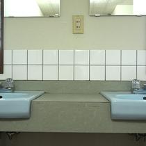 *【共同トイレ】バストイレ無しのお部屋の場合は共同でご利用下さい。