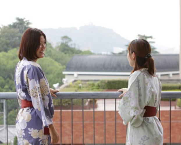 3階ラウンジ 松山城を眺めて