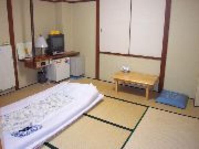 和室8畳ルーム (2-3名様) 3名様では狭くなります