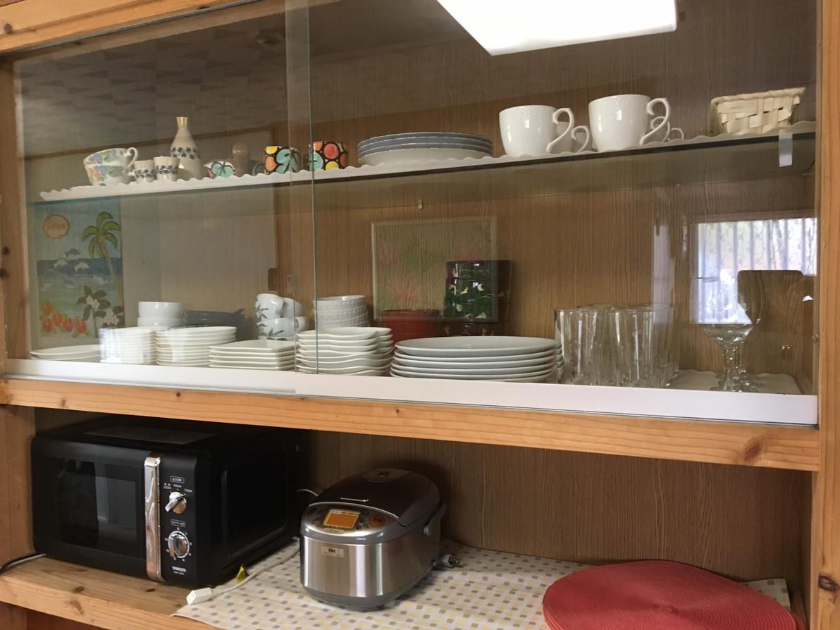 グランドフロアルーム(一階)食器棚