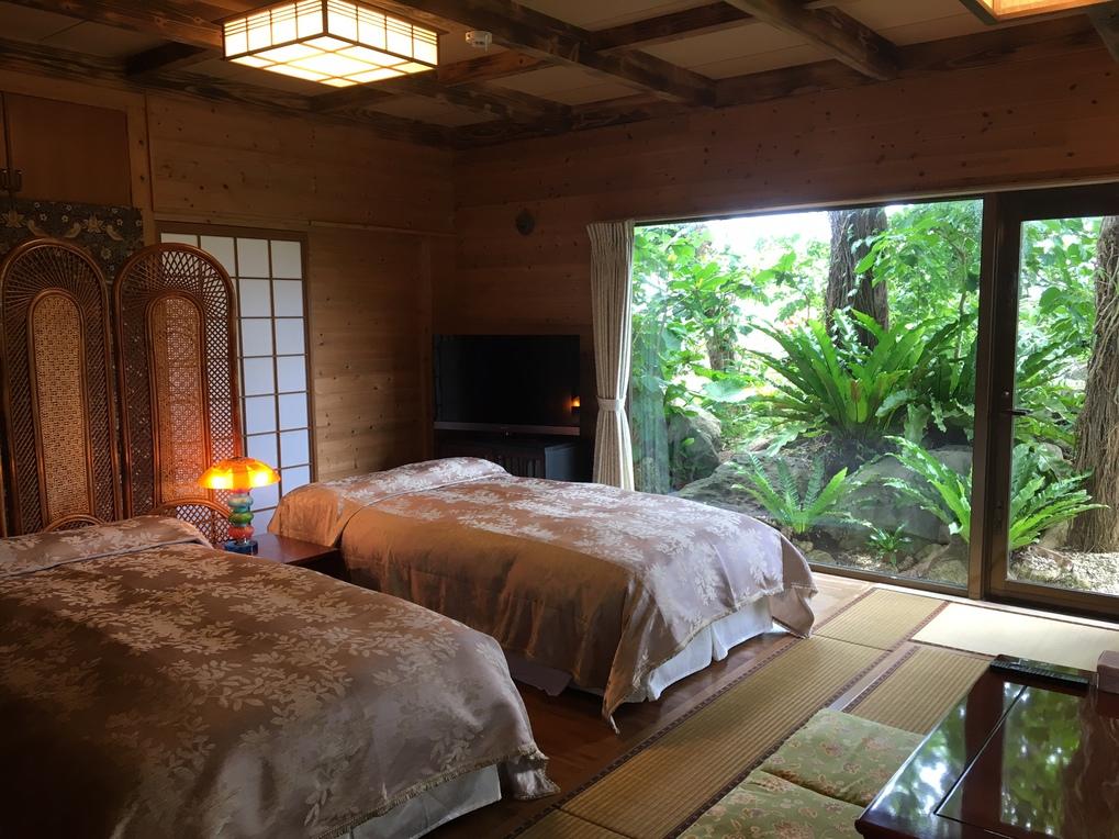 グランドフロアルーム(一階)ベッドルーム