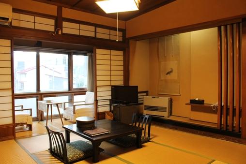 昭和ロマン棟 和室8畳(喫煙室は2室)