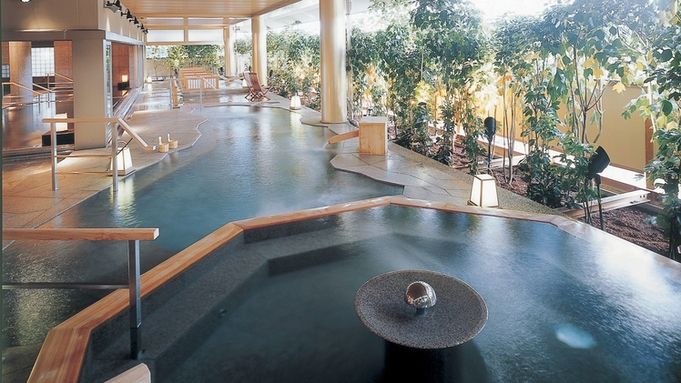 【一泊朝食付】ゆのくに天祥自慢の「ご朝食(お食事処で和定食)」と「3つの大浴場」でリフレッシュ