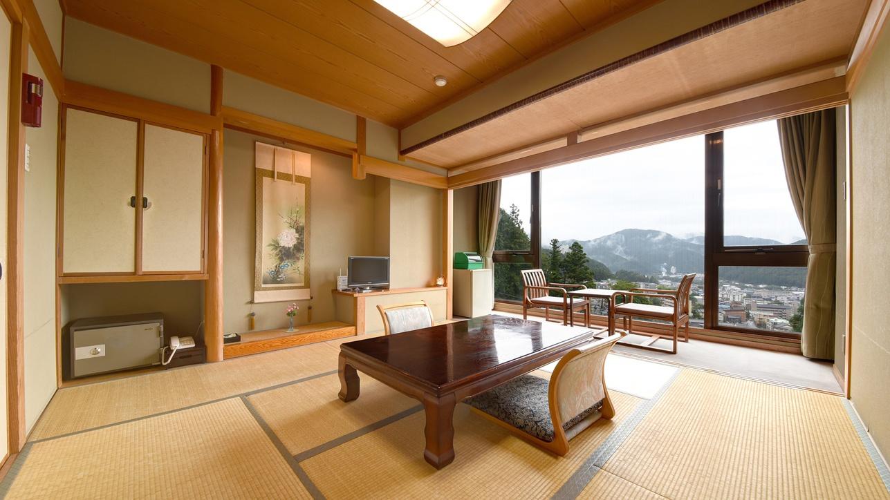 *【和室8畳】下呂の街並みの移ろいを眺め、夕食はお部屋でゆったり快適な休日をお過ごしくださいませ