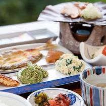 *【朝食】ご飯がすすむ内容で、味・量ともにご好評です★お食事処にてご用意いたします
