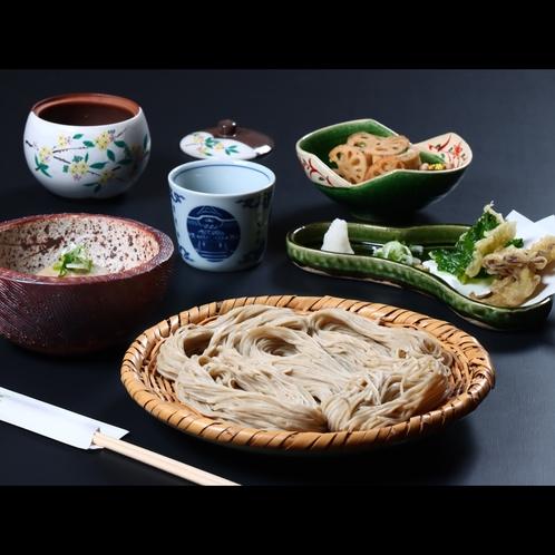 昼食・お昼に戸隠そばと旬の食材で揚げたて天ぷらを