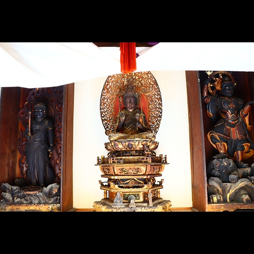 福岡旅館神殿に祀られる秘仏像の三体