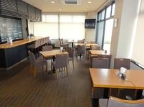 1F朝食会場           明るく広々した空間です。