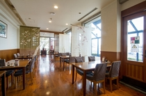 ■ホテル内2階「紅葉亭」