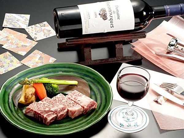 ステーキとVinosワイン
