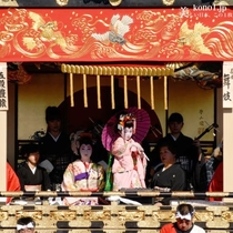 秩父の総社、秩父神社の例大祭で、300年余りの歴史を誇ります。