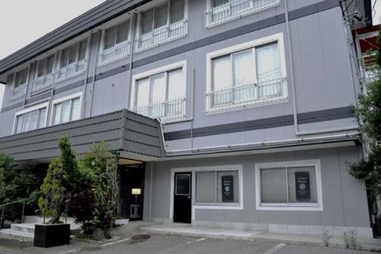 New Hotel Wakaba  ニューホテル若葉 外観