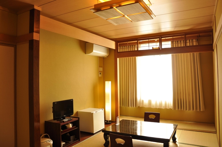 Guest room  和室9.5畳 1~名様 (japanese style room)