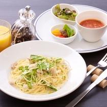 【ランチ】近海魚・白菜・茸・水菜のクリームソース