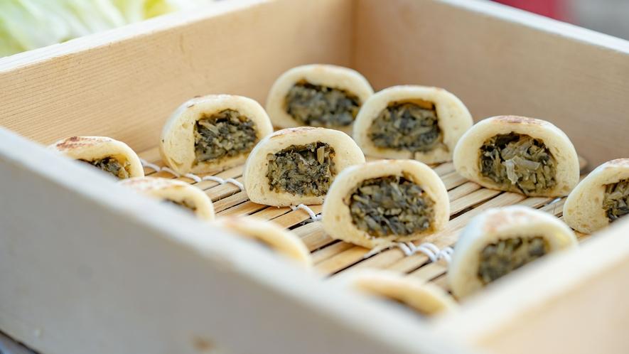 【お食事/ホテルビュッフェ】信州といえば野沢菜のおやき