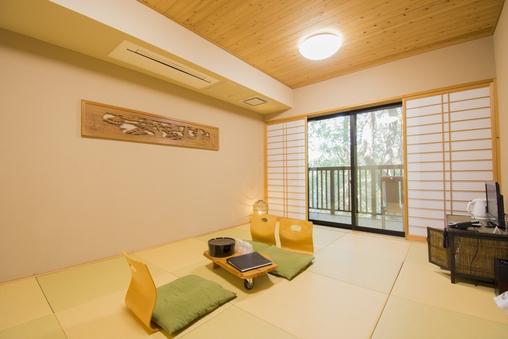小鳥のさえずりと木々の癒し 10畳京間純和風客室