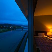 お部屋からの眺め:全室球磨川沿いで眺望抜群