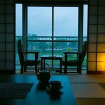 畳の温かいぬくもり 人吉城址と球磨川を望む
