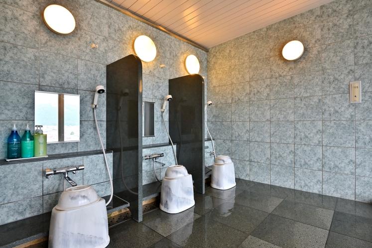 男性浴場洗い場