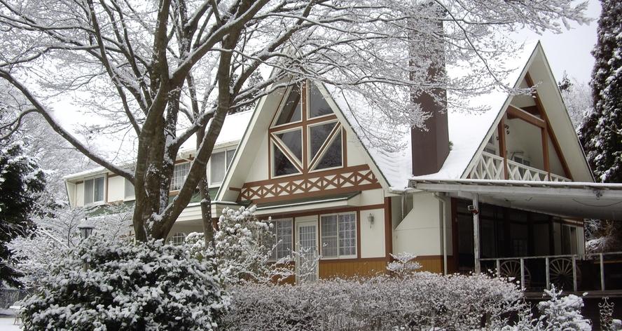 家外観雪2