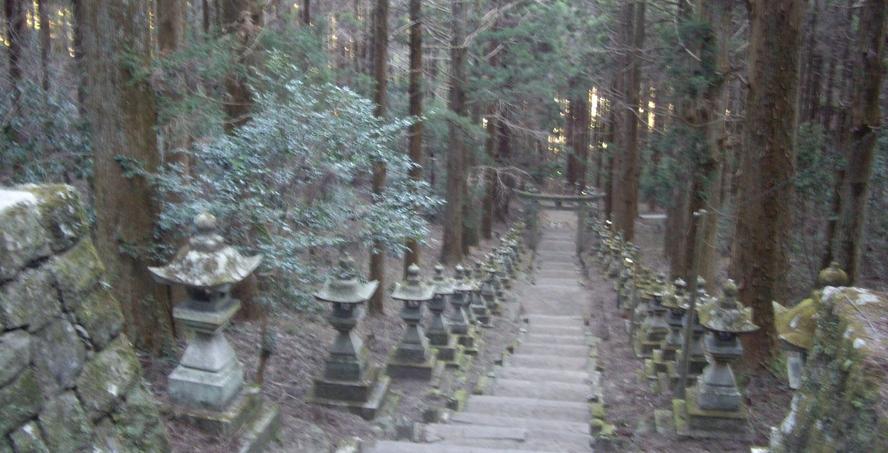 観光、熊野座神社、灯篭