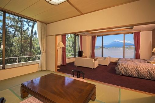 海と富士山側の『特別室』(72平米/バス・トイレ付)