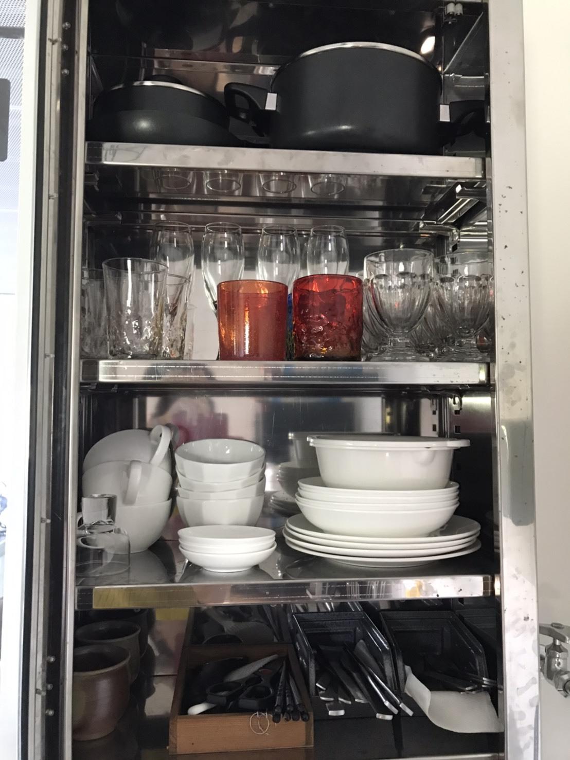 アイアンコテージ 食器棚