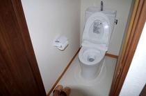 12人ドミトリールームのトイレ