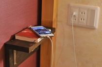 ベッド内ではコンセント・USBコンセント、棚をご利用いただけます。