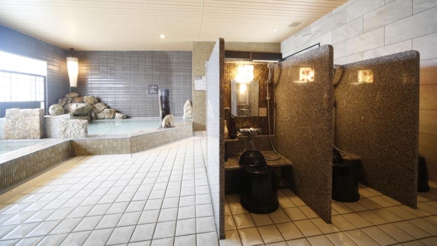 【女性大浴場】洗い場(カラン数8個)