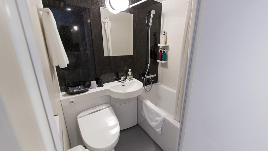 ・ダブルルーム:バスルーム
