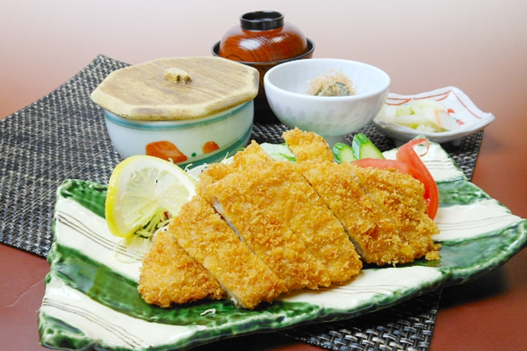 【レストラン福鶴亭】 豚ロースカツ膳