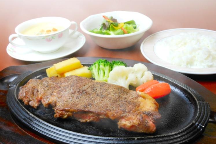 【レストラン福鶴亭】 士別産牛ロースステーキセット