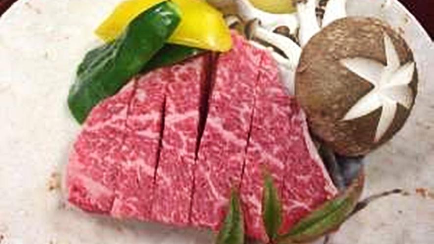 *【夕食一例】A5等級の飛騨牛ランプステーキ♪