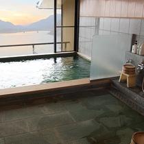 最上階展望風呂 男性大浴場(月見草の湯)