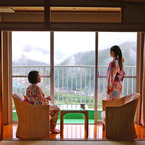 客室から望む山々の姿に癒されます