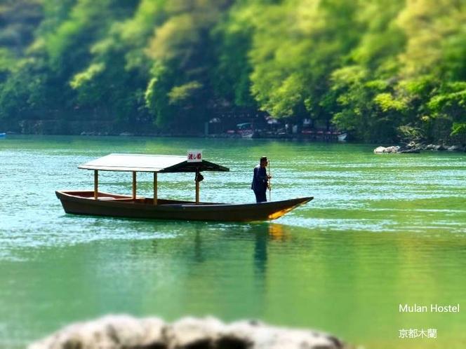 新緑の時に船で嵐山を満喫しましょう(*^-^*)