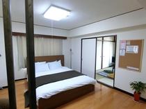 ベッドルーム105
