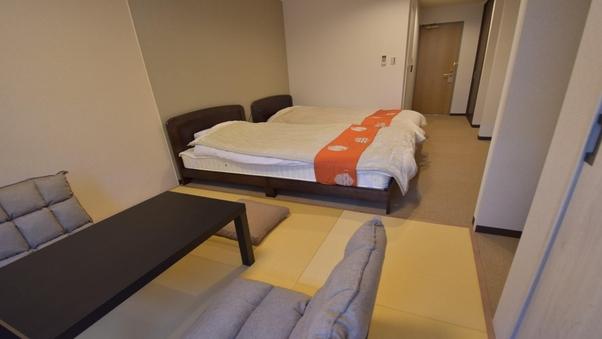 【和洋室】4名/セミダブル2台と和室スペース・バストイレ付