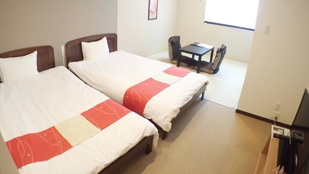 【和洋室】2名/セミダブル2台と和室スペース・バストイレ付