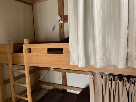個室(2段ベッド使用)