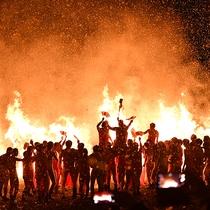 勝部の火祭り