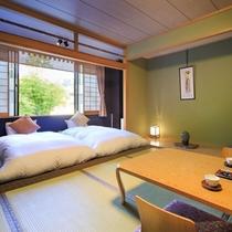 【倶楽部ルーム】和室にローベッドを2台配した空間。客室は全室禁煙、蔵王の澄んだ空気を楽しんで